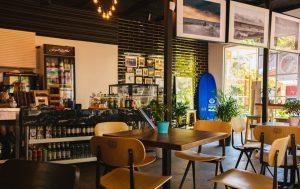 restaurant-dining-tables